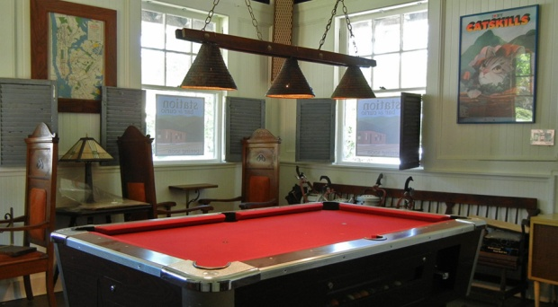 StationBarPoolTable